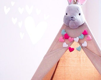 Teepee Garland, Heart Garland, Nursery Garland, Nursery Decor, Crochet Garland, Teepee Decor