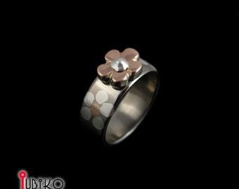 Titanium ring  Gold flower