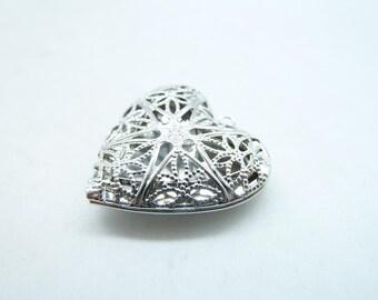 2pcs 27x27mm White K (Rhodium Color) Heart Brass Filigree Locket Charm Pendant C7839