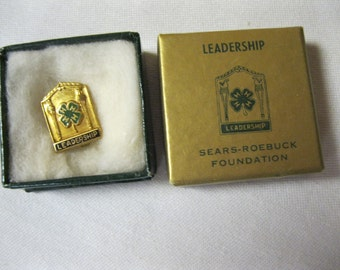 Leadership Award Pin Rare Memorable Youth 4H Award Orig. Box Sears-Roebuck Foundation Advertisement 1/20 10K Gold Filled Vintage Jewelry