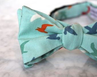 Turquoise Birds in Flight Bow Tie - Groomsmen and wedding tie - clip on, pre-tied with strap or self tying