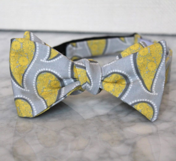 Bow tie in yellow and gray paisley - Groomsmen and wedding tie - clip on, pre-tied with strap or self tying