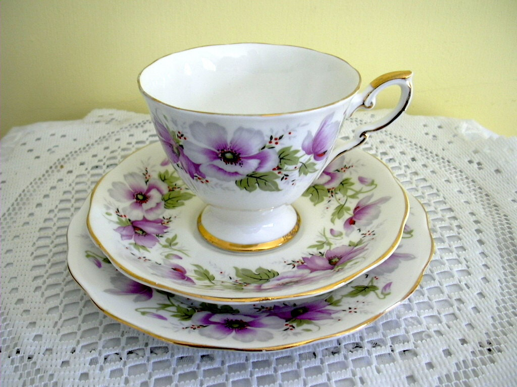 Vintage bone china trio royal standard violetta pattern - Vajilla shabby chic ...