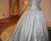 Light green ballgown 100% silk vintage style perfect for wedding or prom