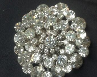 Rhinestone snowflake brooch        VJSE