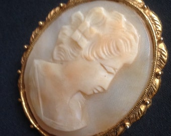 Gold filled shell cameo profile brooch    VJSE
