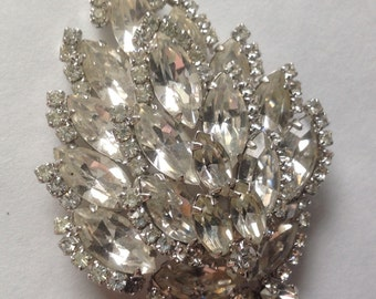 D&E Juliana Rhinestone navette floral brooch    VJSE