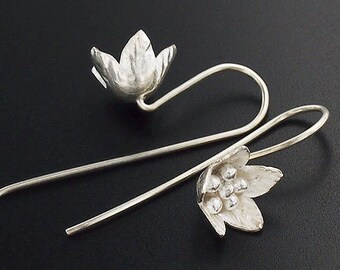 1 pair of Karen Hill Tribe Silver Flower Earrings 10 mm. :ka4057