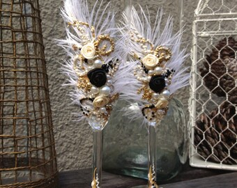 Great Gatsby wedding champagne glasses with ostrich feathers in ivory, black and gold, toasting flutes for your wedding reception or a gift