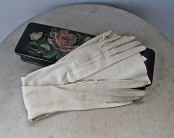 VINTAGE FRENCH GLOVES Woman's Petite Size Soft Leather 6 Mother of Pearl Snaps Black & Carnelian Glove Box Handpainted Roses France 1920's
