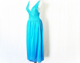 Vintage 70s Teal Blue Lace Night Gown M Vanity Fair Lingerie Turquoise