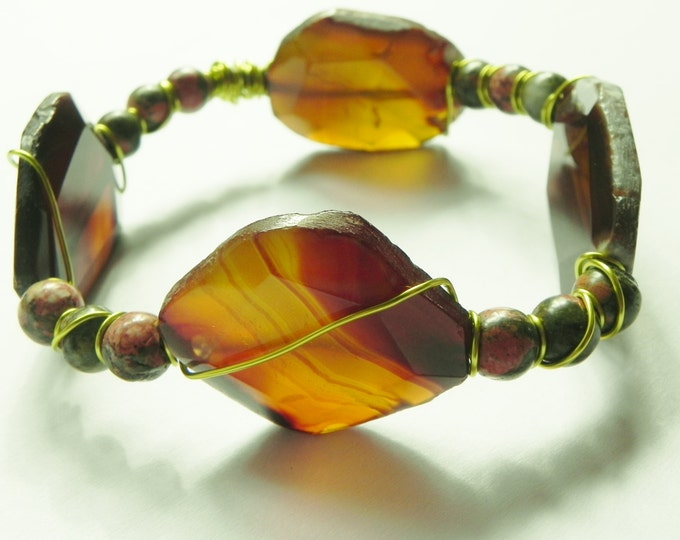 Gemstone bangle with yellow agate slabs and unakite, green, pink, copper