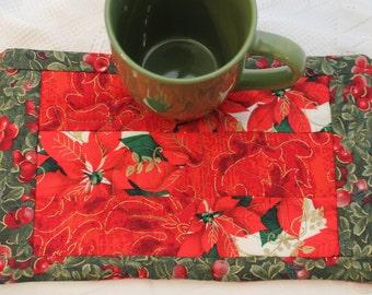 A Poinsetta and Holly Masterpiece Quilt Mug Rug & Mug Set