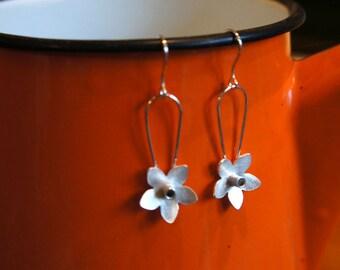 Silver Daffodil dangly earrings