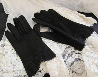 Beautiful Black Ladies Nylon Wrist Gloves