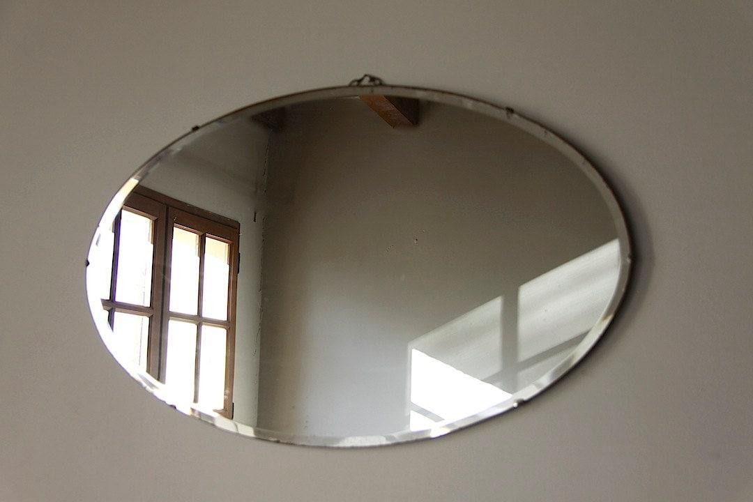Riservato per e vintage smussato bordo parete specchio art - Specchio ovale vintage ...