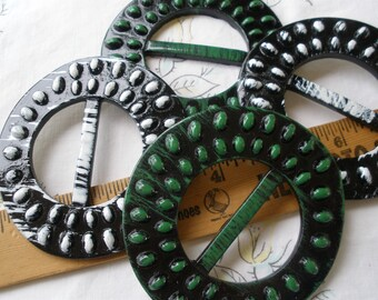 "Sale Textured Black & White or Green Plastic Buckle Scarf Slide 3.25"" carved 1.75"" opening t-shirt slide novelty retro ribbon embellishment"