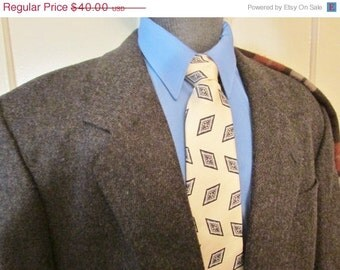Vintage Mans Tweed Jacket, Mens Tweed Jacket, Vintage Tweed Blazer, Dark Brown Tweed Sport Coat, Measures Size 44  Size 46  Short
