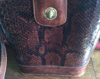 Vintage snakeskin bucket crossbody purse