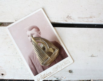 Vintage Brass Boat Clip // Wall Hanging
