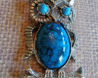 Vintage Faux Turquoise Owl on a chain Pendant