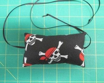 Pincushion - Tie On Your Machine (White Skulls, Red Bandannas on Black w/Black Ribbon)