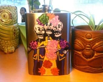 8oz Mexican Dia de los Muertos flask....Arte Mexicano, day of the dead