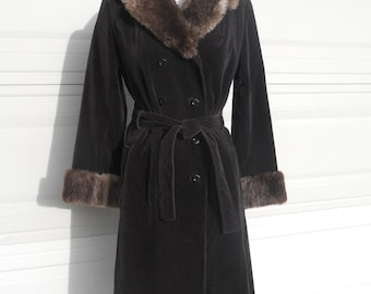 Vintage 60s Brown Velvet Trench Coat with Fur by Halle Brothers . M-L