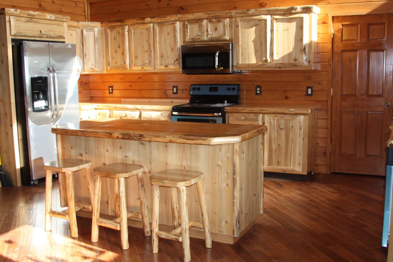 Custom Rustic Kitchen Cabinets - Home Design - Zeri.us