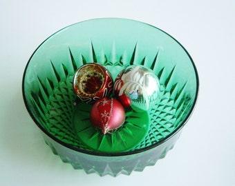 Vintage Glass Bowl Large Emerald Green Salad or Fruit Bowl Made in France Arcoroc