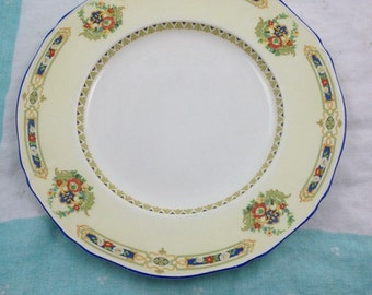 Vintage 1930's dinner plate with pretty flowers  - yellow and cream