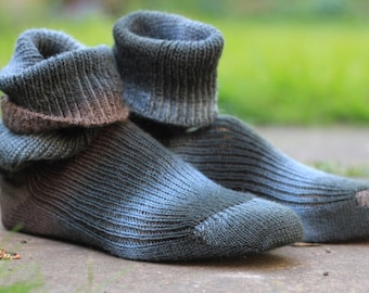 Hand KNITTED WOOL SOCKS  - merino - stunning colors - shades of petrol, khaki and seafoam  - made to order -Wurzelsepp