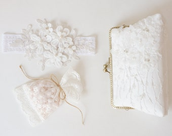 Romance Wedding White Lace Purse / Beaded and Appliquéd Lace Silk Clutch / bridesmaid gift /  Evening clutch / Formal Party / bridal clutch