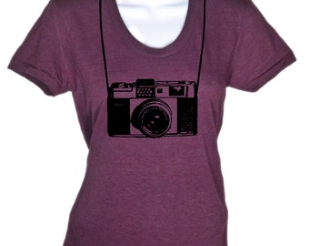 Women's Vintage Camera T Shirt Photographer tee - American Apparel Tshirt - S M L Xl (15 Color Options)