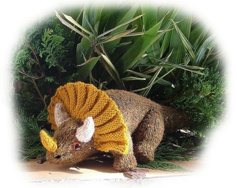 TONY TRIPLEHORN ( Triceratops dinosaur) toy knitting pattern by Georgina Manvell pdf download