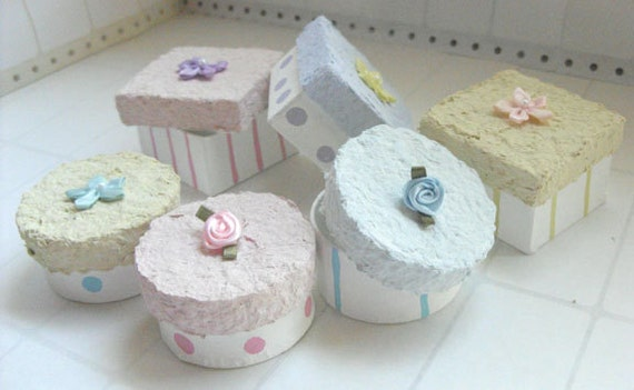 Gift boxes - Pastel frosting party favor or gift boxes - set of 6