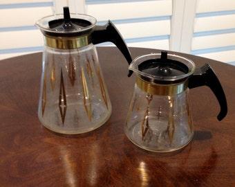 2 small Pyrex carafe coffee tea atomic age starburst set with gold tone detail  Mid Century modern