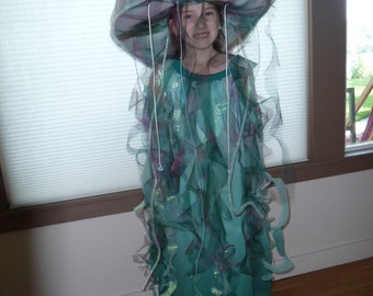 From under the sea comes this fanciful Jellyfish...
