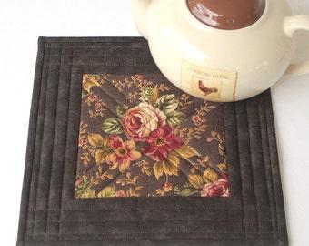 Brown Floral Trivet, Quilted Trivet, Insulated Trivet, Roses Hot Pad, Pot Holder, Quiltsy Handmade