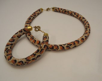 Free Shipping!!! Set Handmade Necklace or Bracelet, Crochet With Beads. Ukrainian.