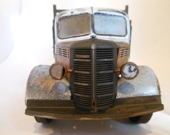 Scale Model, Steampunk Truck,Bedford Truck  White ,Rusted  Wrecked , Classicwrecks