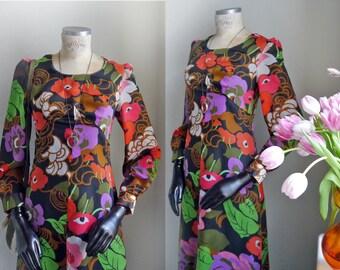 Vintage Floral boho Dress original 60s maxi dress Big flower prints Psychedelic Festival Long sleeves Classy Womens Mad men dress/ size S