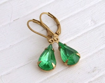 Peridot Green Earrings .. small teardrop earrings, vintage glass, green earrings