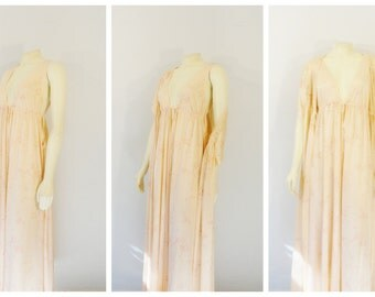 Vintage Nightgown and Robe Dressing Gown Peach Floral Peek-A-Boo Sides Plunging V Neck Kimono Robe