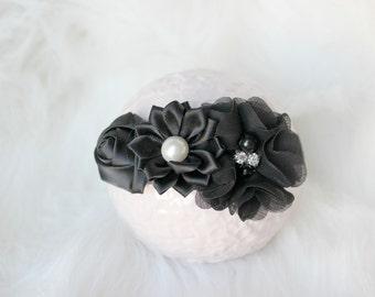 newborn baby photography prop-black white elastic headband with flowers, baby shower gift,baby photo prop, 0-3 mo headband, photography prop