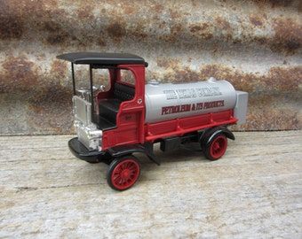 Vintage Toy Bank with Key 1995 Mack Truck 1910 Fuel Delivery Truck Texaco Texas Petroleum ERTL Collectible Antique Style Car Coin Bank Metal