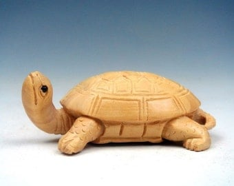 netsuke hand carved GOOD LUCK TURTLE heavy detailed carving light stain on birch wood 2 inches very collectible