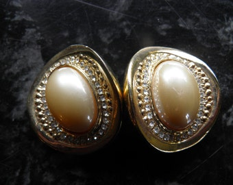 Chunky, Bold Rhinestone and Faux Pearl Clip Earring.