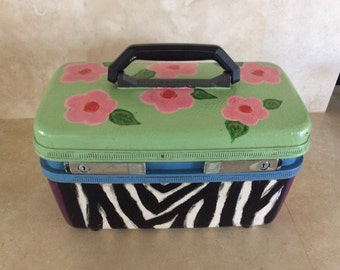 Vintage Hand Painted Samsonite Sentry II Train / Makeup Case