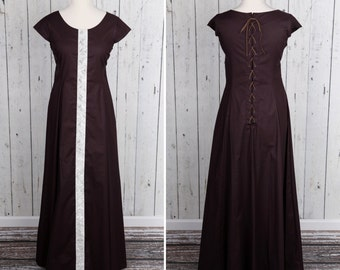 Long brown Medieval style dress, short sleeves, laced on back